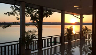 Lao Lake House - Nam Houm Sunset